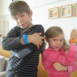 腕だけで操作する『パックマン』誕生、ウェアラブル玩具向けフィットネスアプリとして