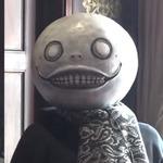 『ニーア オートマタ』齊藤陽介&ヨコオタロウが熱狂的ファンと出会う!ファン向けメッセージ動画が公開
