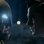 2大ヒーローが激突!「バットマン vs スーパーマン」アクション満載の最新映像到着