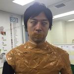 岸田メル、ガムテープに覆われる ―  「タスケテ… コロシテ…コロシテ… 」