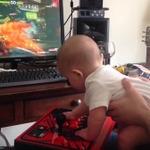 将来はプロゲーマー?生後6ヶ月の赤ちゃんが『ストリートファイターV』ストーリーモードをクリア