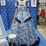 """""""デレマスなドレス""""ってどういうこと!?様々なアニメが工芸品とコラボ…「ラブライブ!ねぶた」や和傘も"""