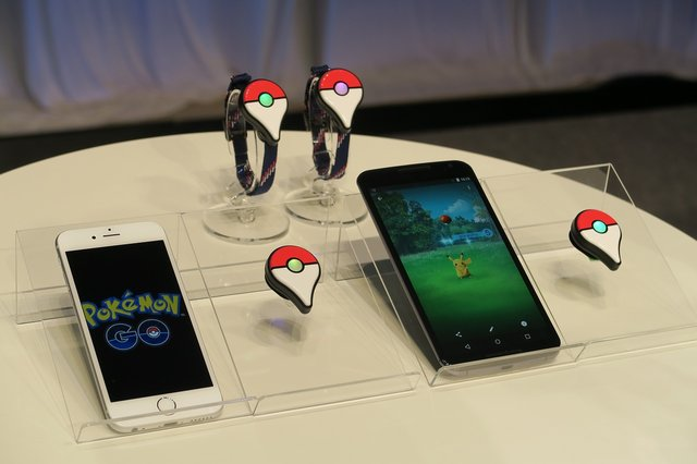『Pokemon Go』と連携して楽しめる新デバイス「Pokemon Go Plus」を間近でチェック